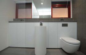 Broadbeach Chelsea Apartment Bathroom