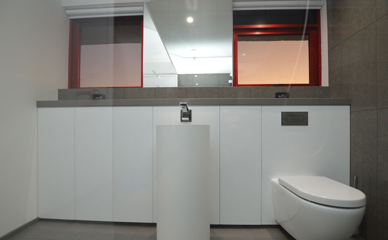Broadbeach Chelsea Apartment Bathroom